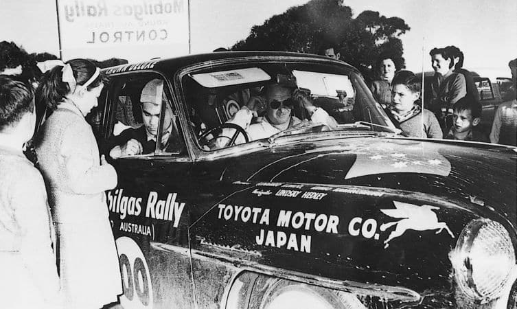 Crown al via del Rally di Australia 1957