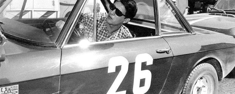 Un giovane Mario Mannucci sulla Lancia Fulvia HF