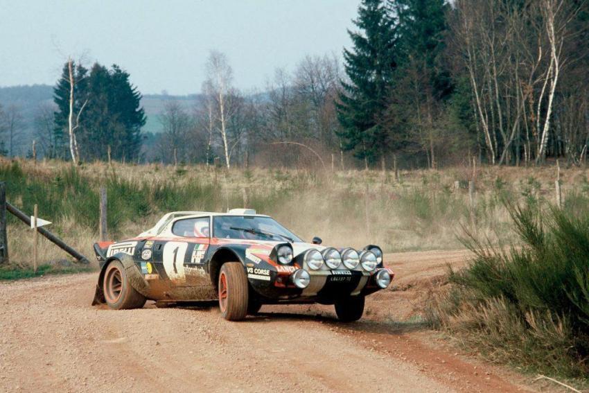La Lancia Stratos fu ammessa originariamente nel Gruppo 5