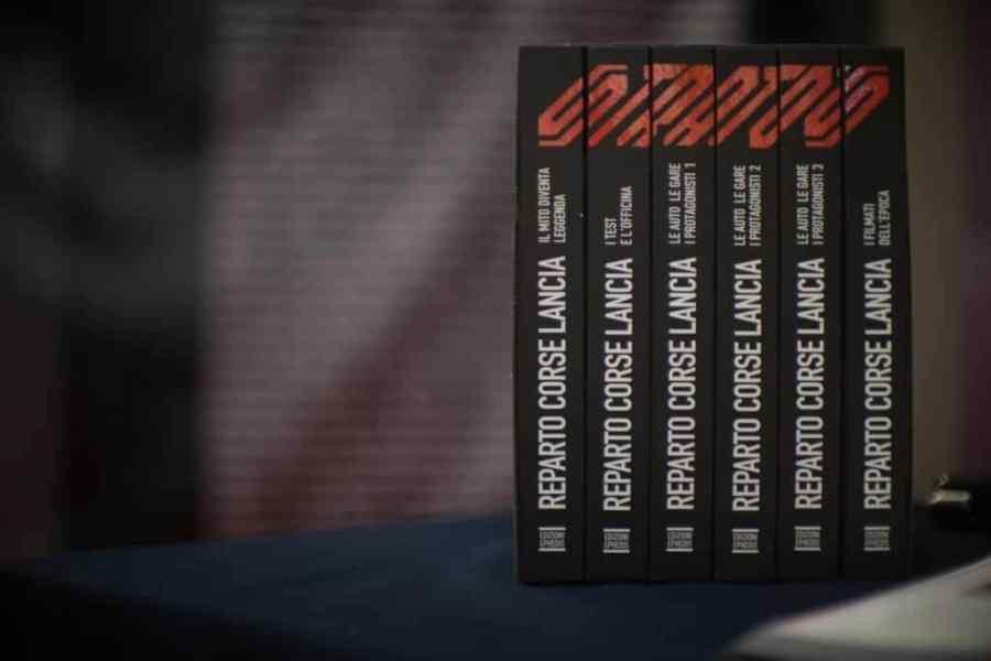 Tutti i volumi dell'opera Stratos, il mito diventa leggenda