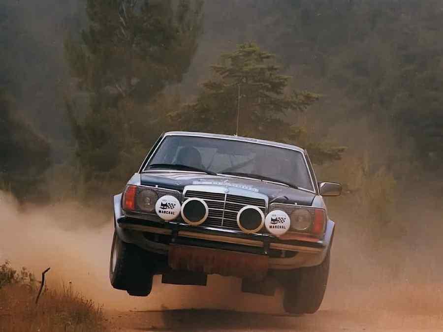 Ingvar Carlsson fa letteralmente volare la sua Mercedes 280E