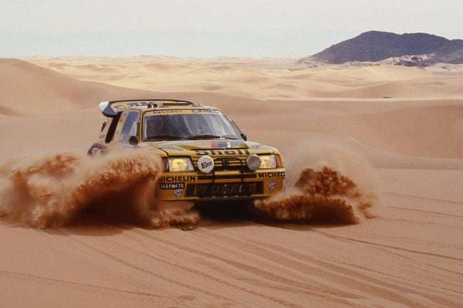 La Peugeot 205 T16 Gran Raid nel Deserto del Sahara