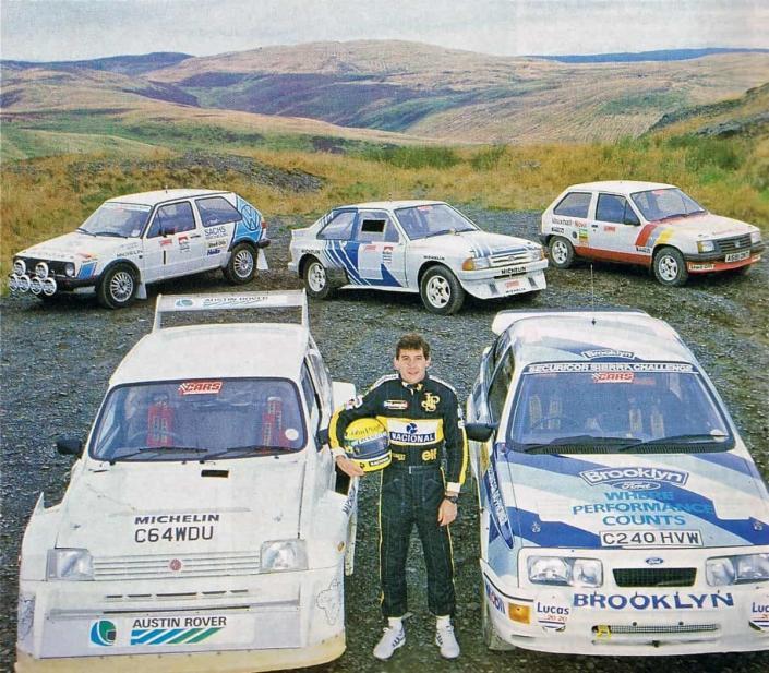Nella foto di Norman Hodson e Tony Butler, Senna posa prima del test.