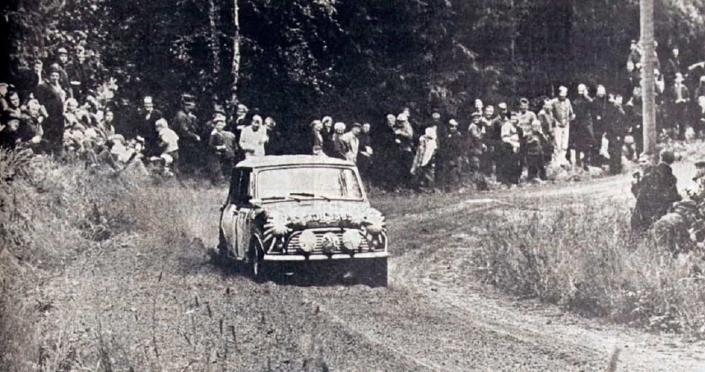 Timo Makinen al Rally 1000 Laghi 1965 con la Mini