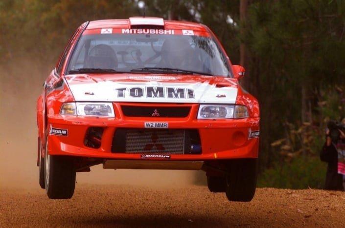 Tommi Makinen con la Mitsubishi Lancer Evo VI al Rally d'Australia del 2000