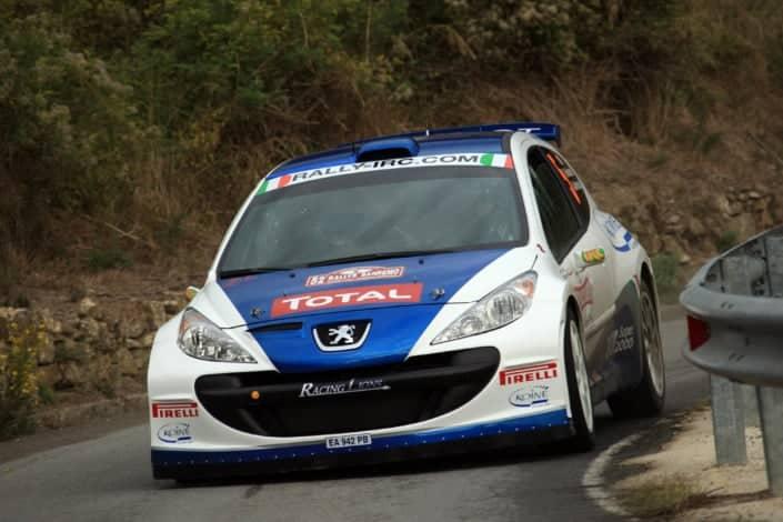 Paolo Andreucci e Anna Andreussi con la Peugeot 207 Super 2000