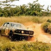 Andersson al Safari del 1972 con la Datsun