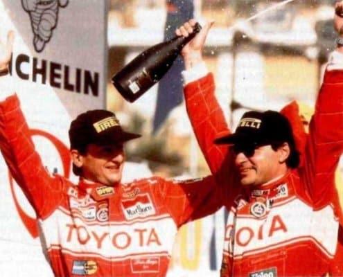 Carlos Sainz e Luis Moya festeggiano il Rally di Sanremo 1990