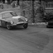 Jim Clark in gara nel 1959 con la Lotus Elite