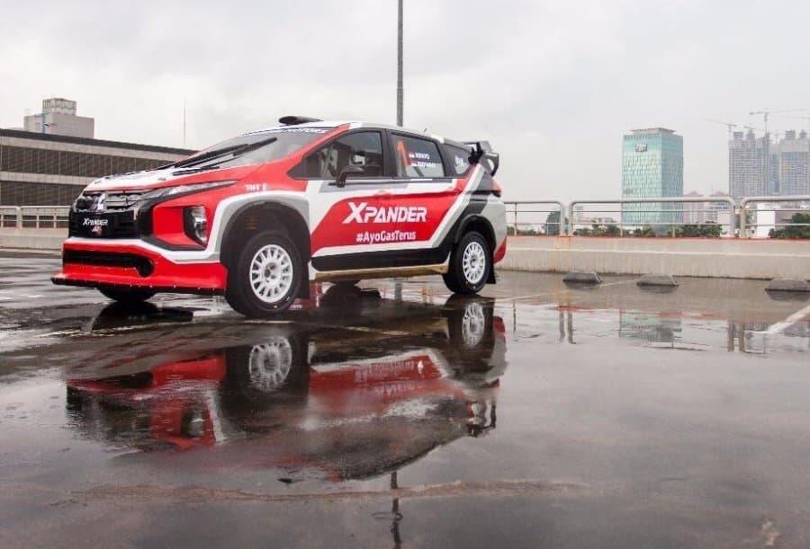La Mitsubishi Xpander AP4 in conformazione rally su asfalto