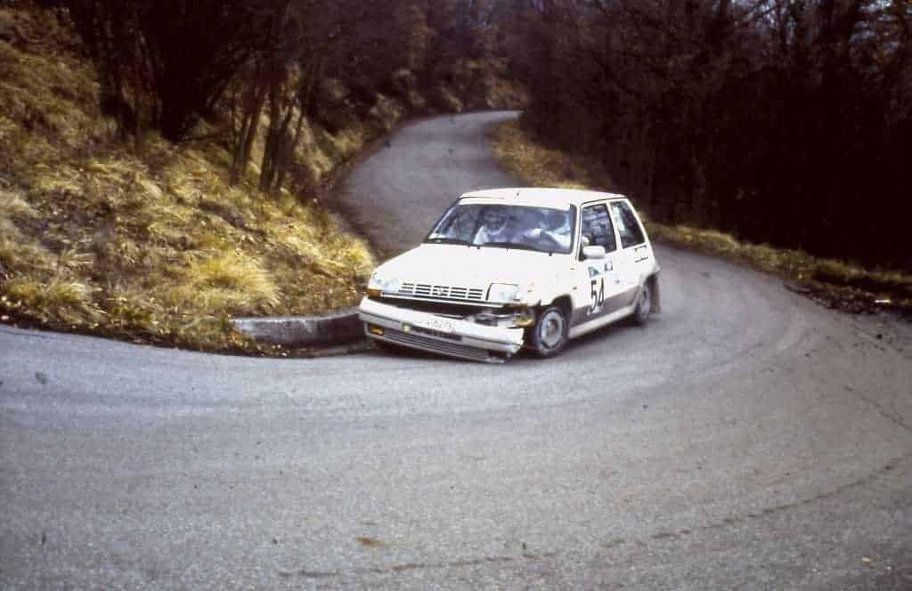 Paolo Andreucci e Ferdinando Pierotti con la Renault 5 GT Turbo sulle PS del Rally Il Ciocco 1987