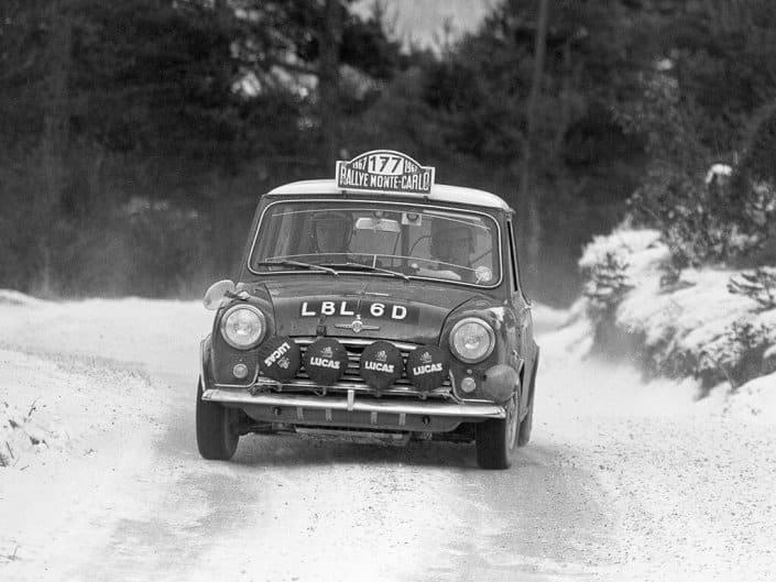 Rauno Aaltonen con la Mini al Rally MonteCarlo